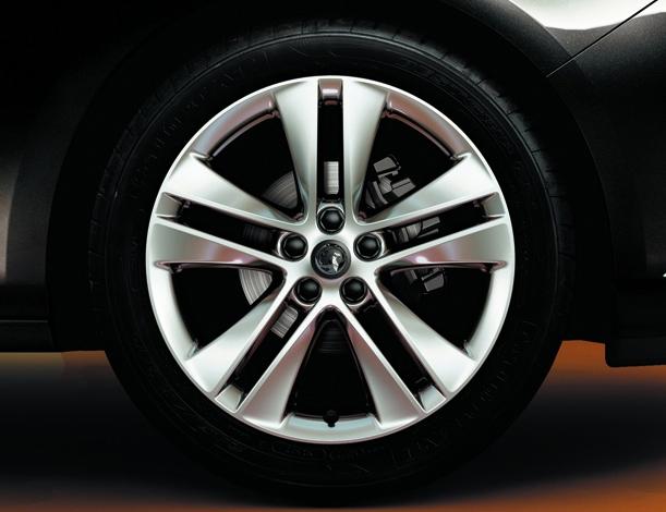 Lichtmetalen Velgen Opel Astra J 18
