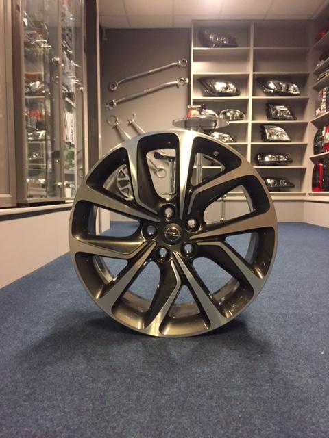 Lichtmetalen Velgen Opel Insignia B Gsi 20 Bicolor Technical Grey